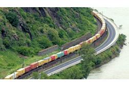 langer Güterzug