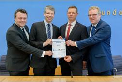 Digitale Logistik-Plattform: DB Netz, Allianz pro Schiene und BGL schließen Kooperation, Bundesverkehrsminister Scheuer übernimmt Schirmherrschaft