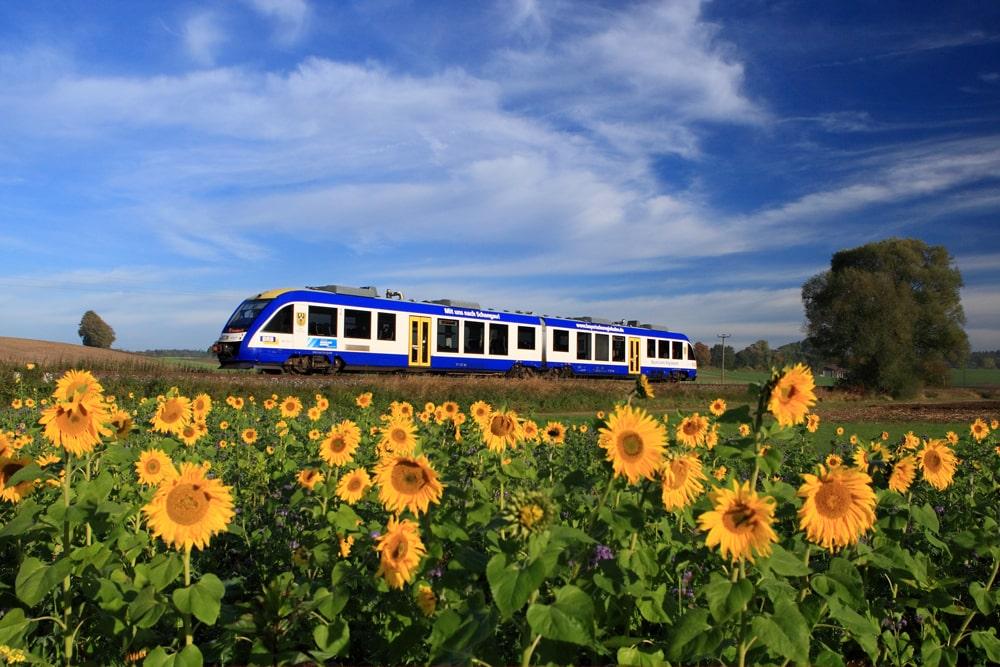 BRB auf der Paartalbahn auf der Fahrt von Ingolstadt nach Augsburg bei Obergriesbach