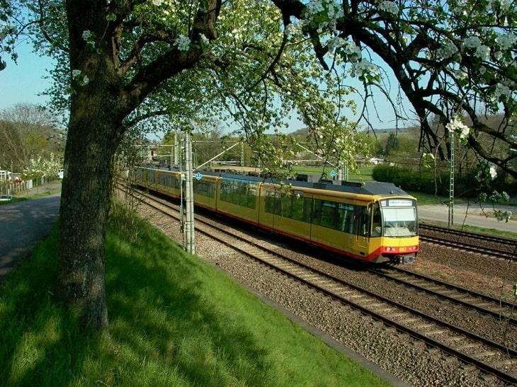 Straßenbahn KVV, AVG