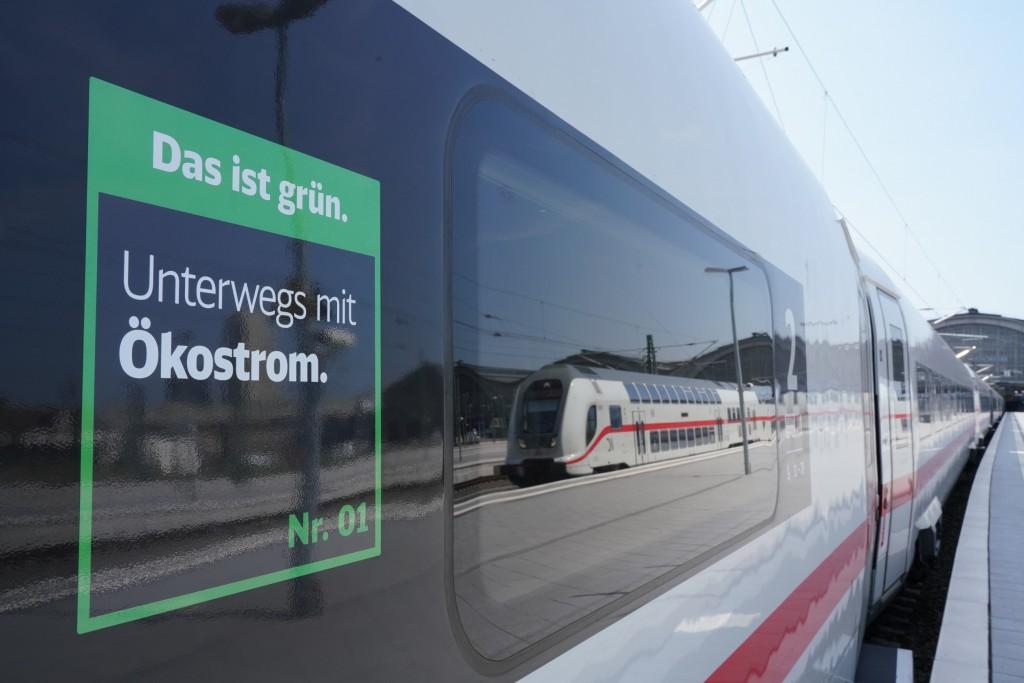 Ökostrom Deutsche Bahn - Bahn AG / Volker Emersleben