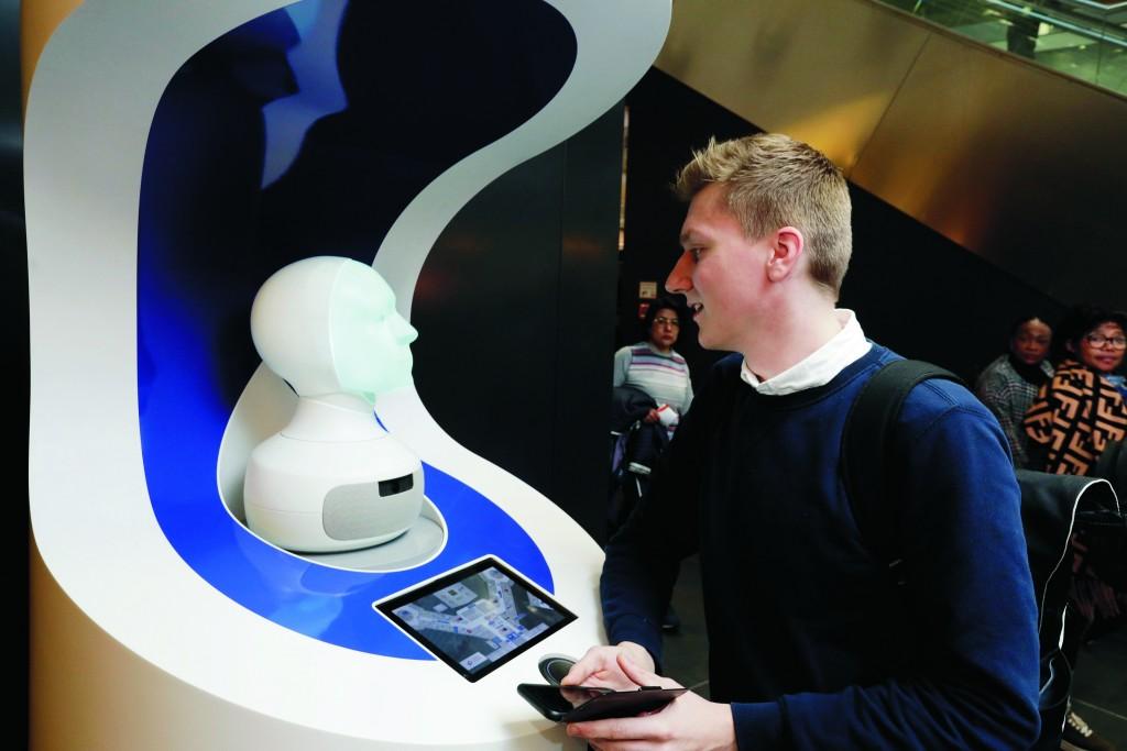 Roboter FRAnny der Deutschen Bahn