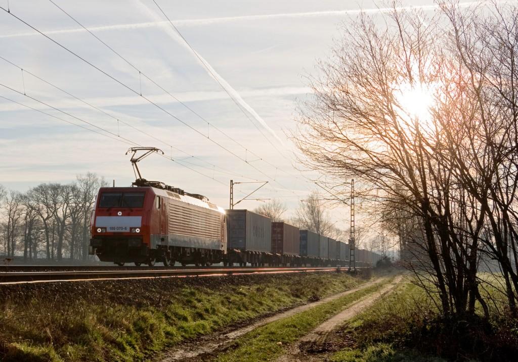 DB Schenker Rail - Containerzug mit Ellok BR 189 bei Diersfordt