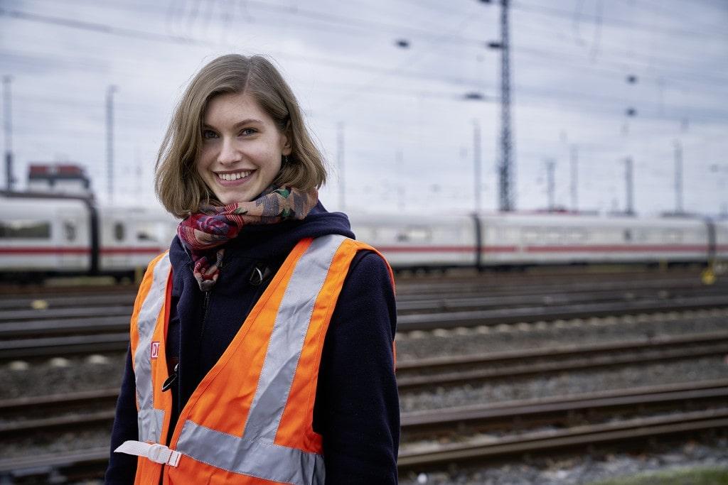 Azubi Fahrdienstleiterin Deutsche Bahn