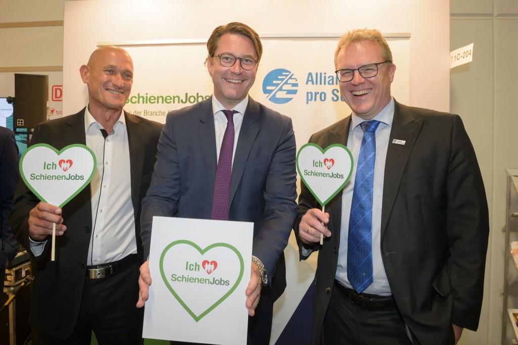 Bundesverkehrsminister Andreas Scheuer liebt SchienenJobs