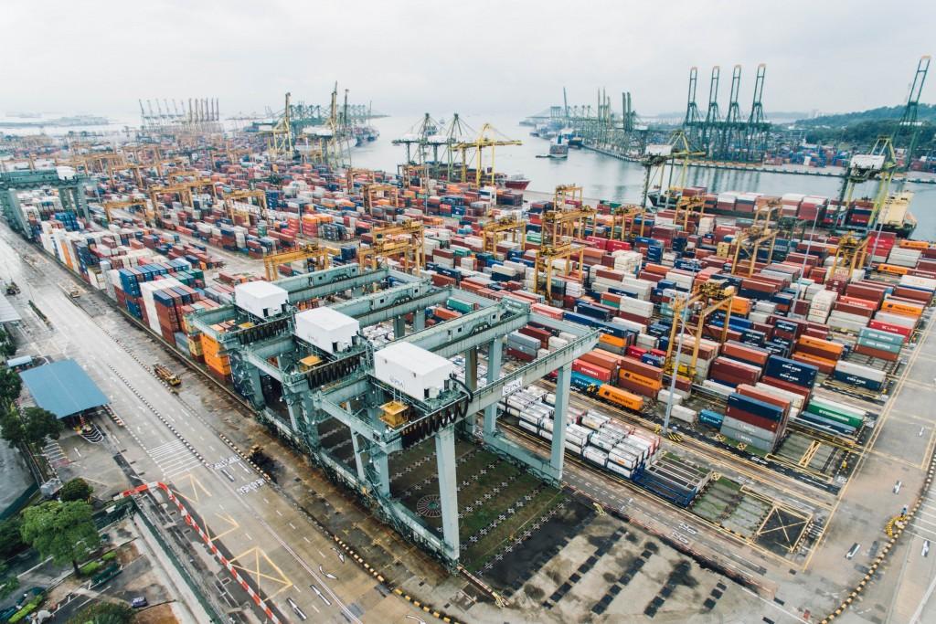 Container am Hafen, chuttersnap, unsplash