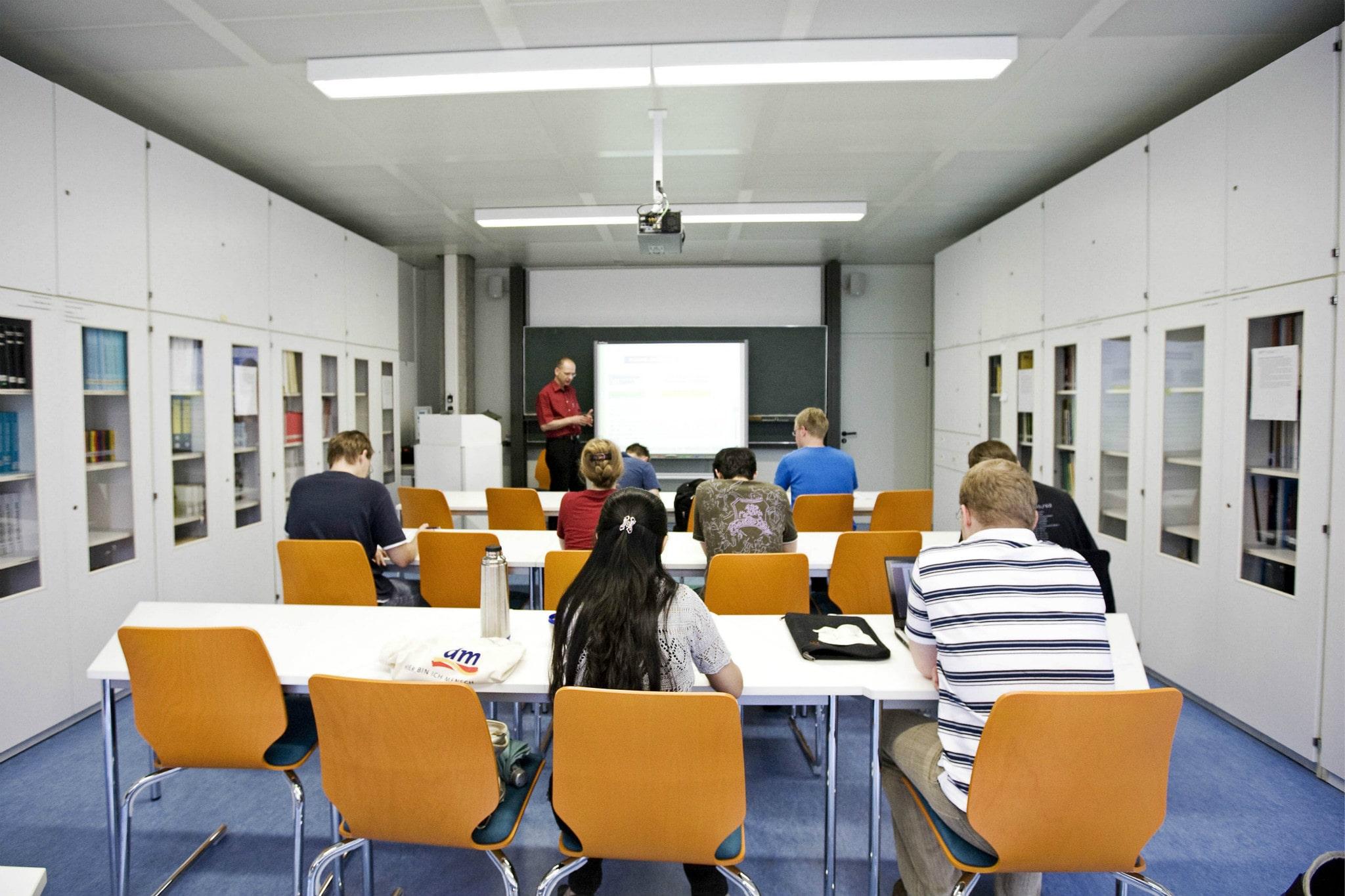 Vorlesung an der Universität Stuttgart