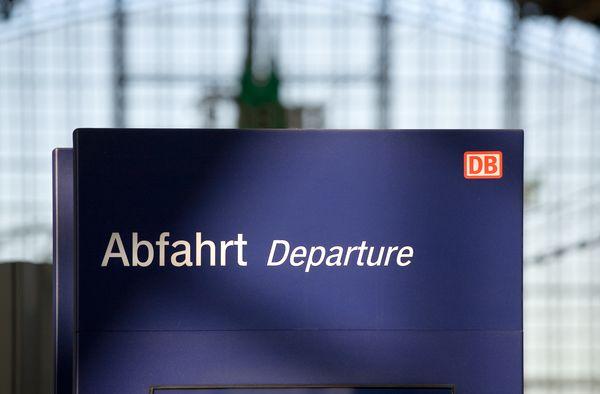 DB3857-Hinweistafel