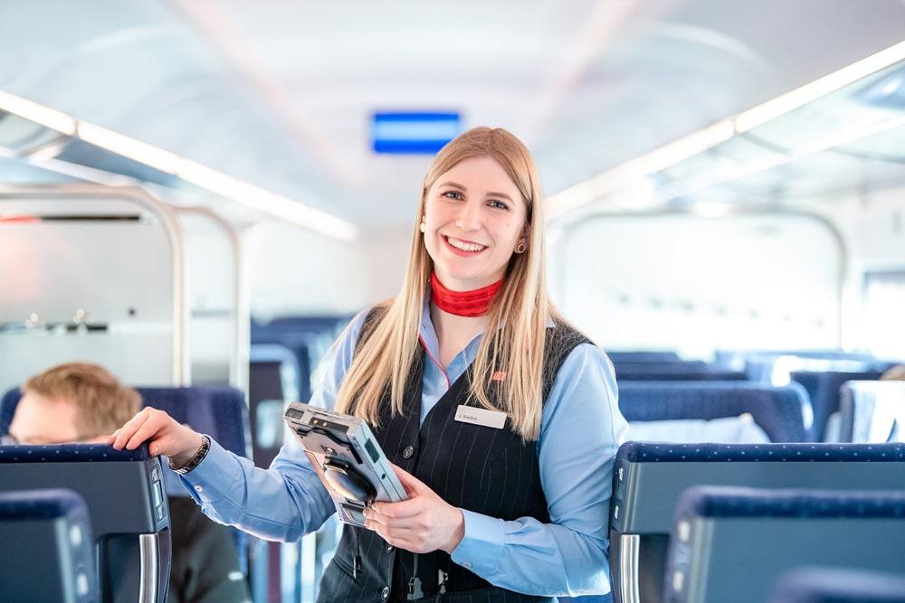 Fachkraft Zugbegleiterin Deutsche Bahn